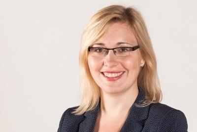 Dr. Anne Bretschneider